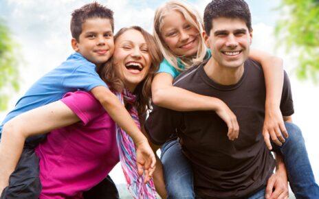Gia đình là môi trường đầu tiên hình thành nhân cách và lối sống đạo đức cho trẻ
